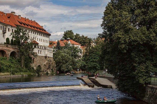 Vodáky plující na Vltavě čeká v roce 2018 výrazné omezení