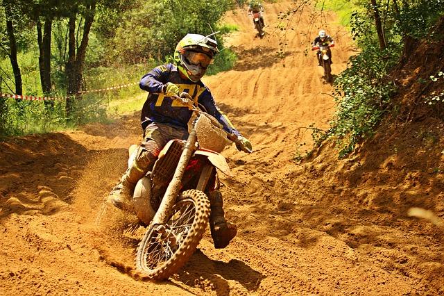 motocross jízda.jpg